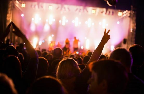 La música en directo ayuda a aumentar la felicidad