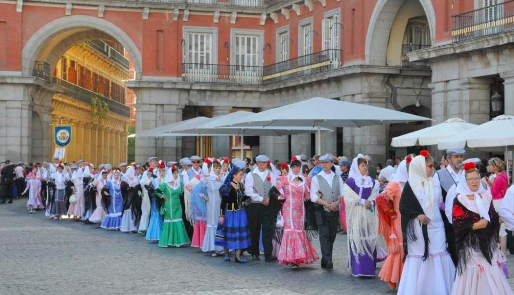 San Isidro: historia, gastronomía y tradición.